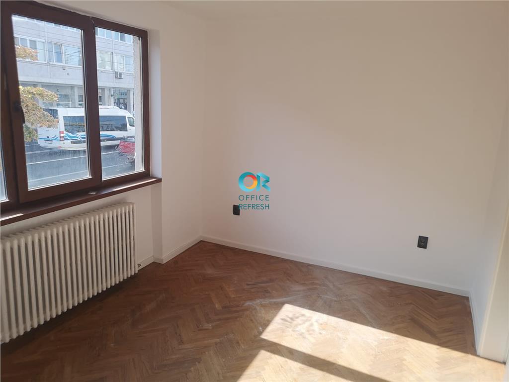 Apartament cu 2 camere de vanzare - centru