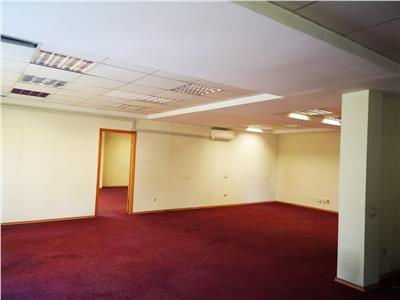 Imobil de birouri de inchiriat - zona centrala