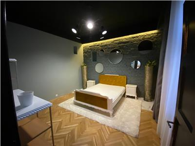 Apartament de 3 camere  de inchiriat - zona centrala