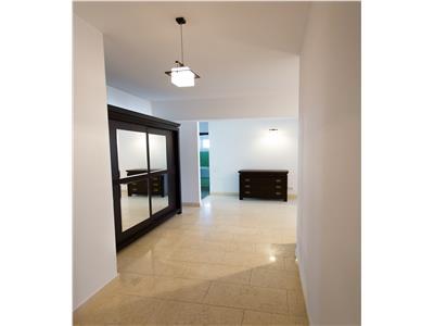 Apartament de 4 camere de inchiriat - Plopilor