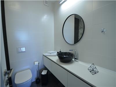 Apartament de lux cu 3 camere de inchiriat - Scala Center