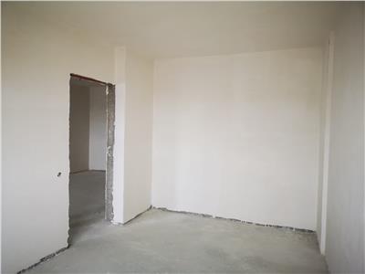 Apartament 3 camere de vanzare - zona Metro