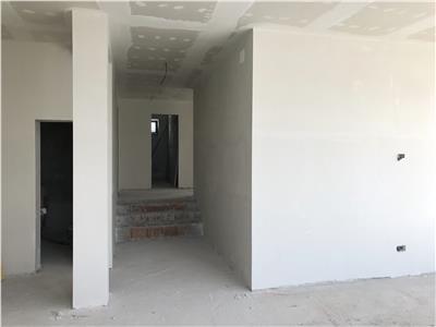 Apartament 3 camere, in vila de vanzare - Gruia