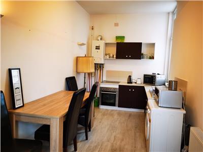 Apartament de 2 camere de inchiriat - zona centrala