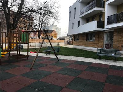 Apartament de 3 camere de vanzare - Clujana