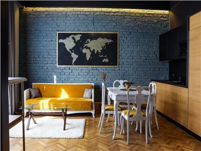 Apartament de 3 camere  de vanzare - zona centrala