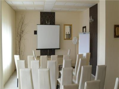 Imobil 10 camere de vanzare - zona Gruia