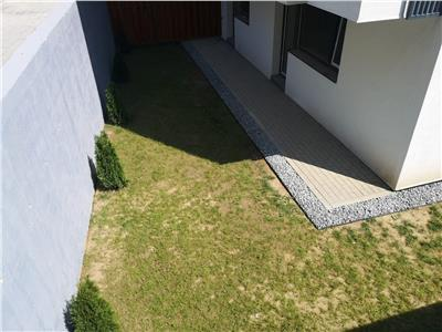 Apartament cu gradina de vanzare - zona Vivo Mall